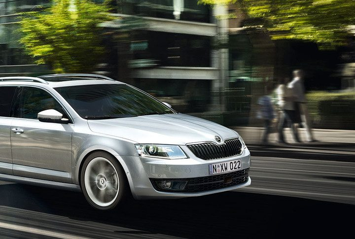 How to Reverse a Trailer With Your Skoda Octavia Wagon