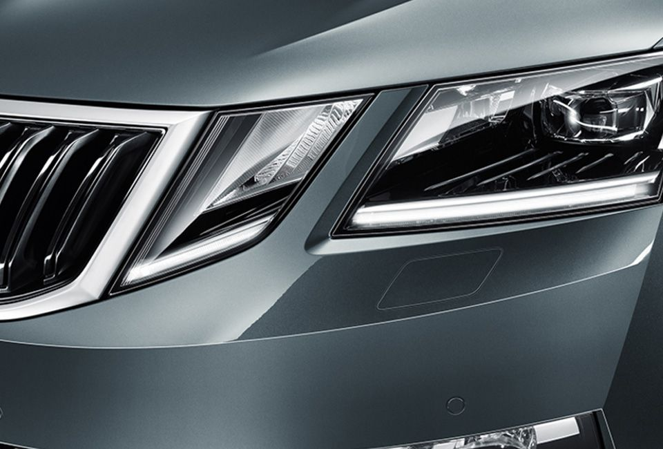 ŠKODA OCTAVIA LED HEADLIGHTS WITH AFS