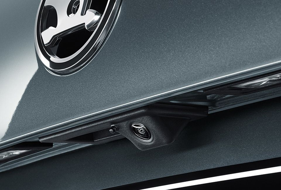 ŠKODA OCTAVIA REAR VIEW CAMERA AND REAR PARKING SENSORS