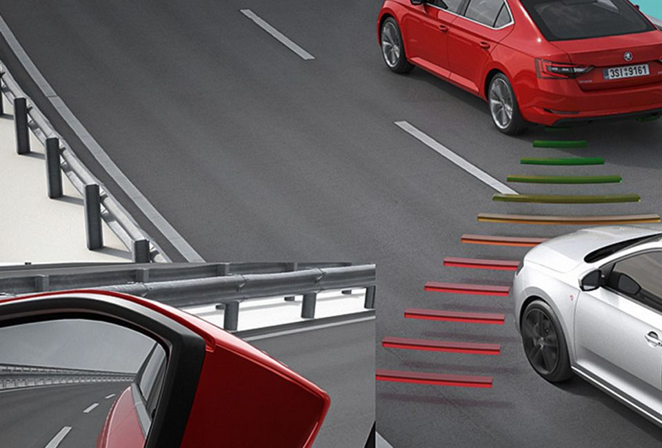 ŠKODA OCTAVIA SIDE ASSIST - BLIND SPOT DETECTION
