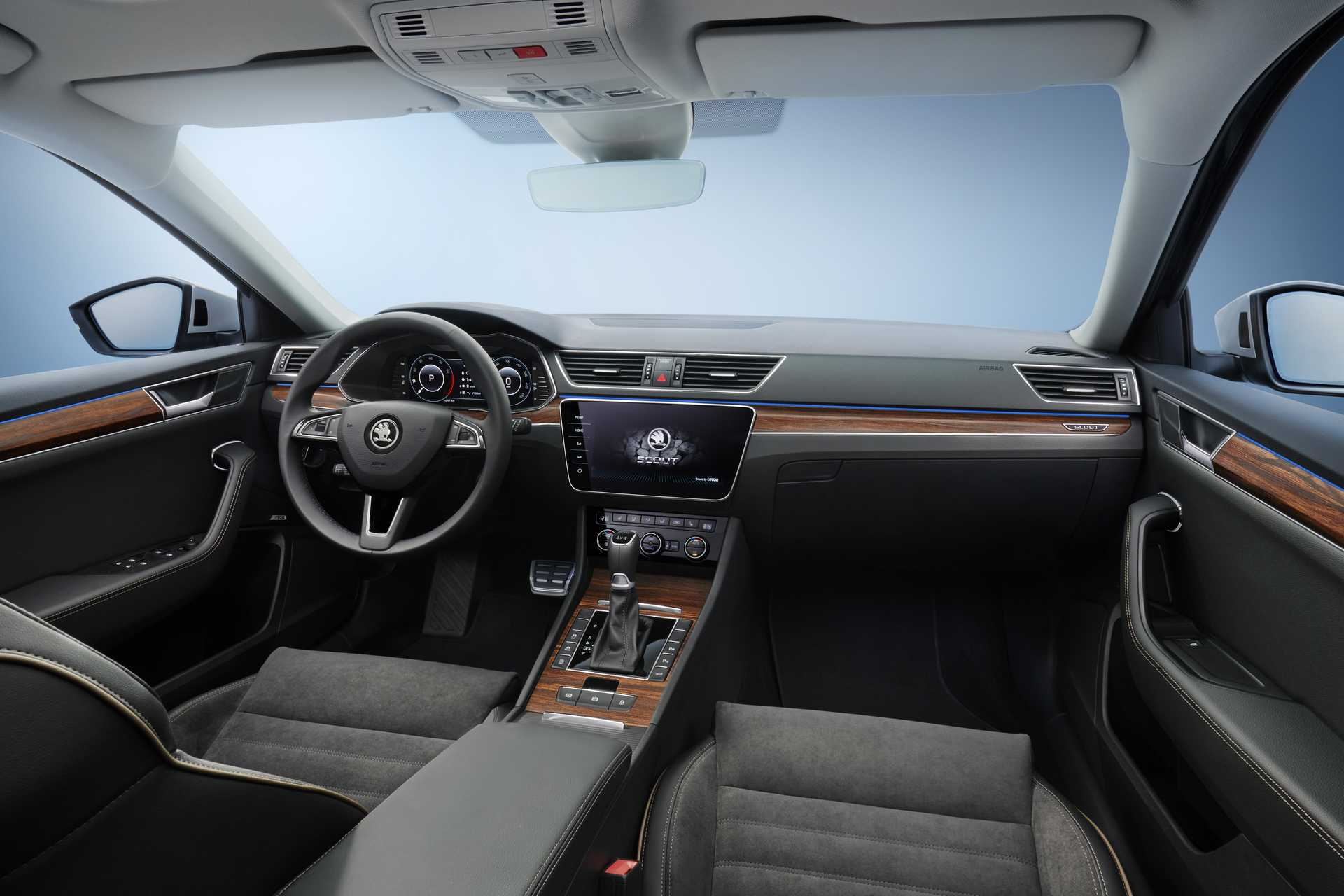Skoda Superb Scout Cockpit