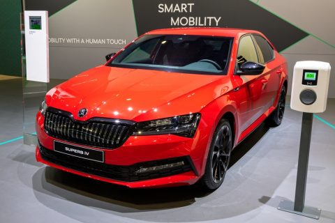 What Are The Details Of The New Skoda Superb Hybrid