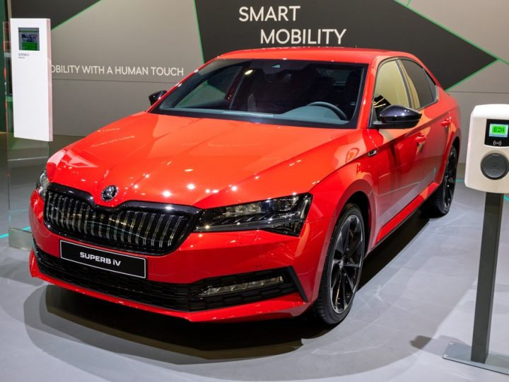 What Are The Details Of The New Skoda Superb Hybrid?